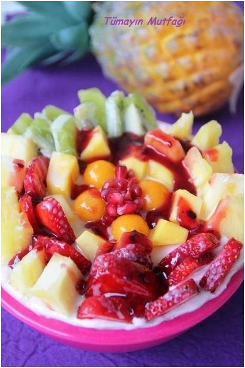 Altın Çilekli Meyve Salatası