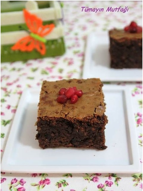 Bitter Çikolatalı Browni