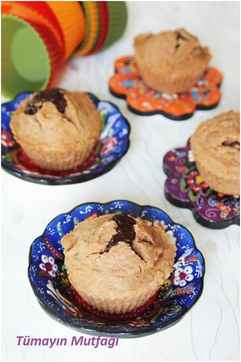Çikolatalı Sürpriz Kekler