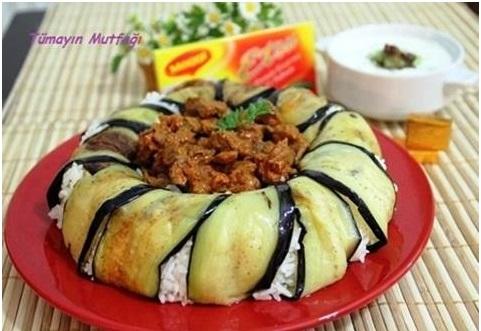 Etli Patlıcanlı Çevirme Pilavı