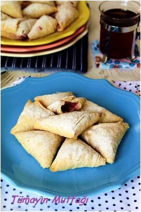 Labneli Vişneli Muska Böreği