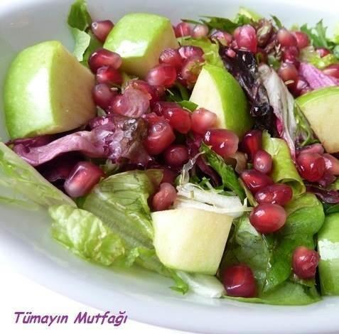 Rokalı Narlı Salata