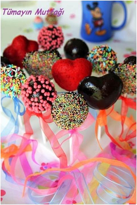 Çikolata Kaplı Top Kekler