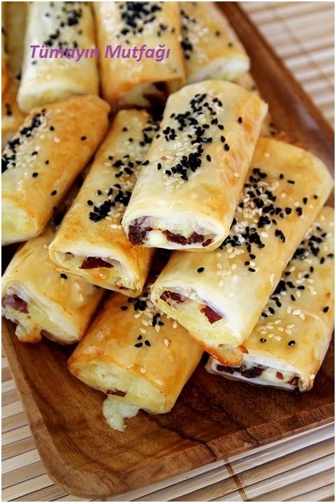 Baklava Yufkasında Pastırmalı Patatesli Börek
