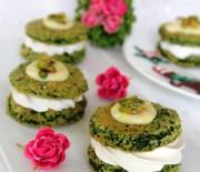 Vanilya Soslu Ispanaklı Mini Pasta