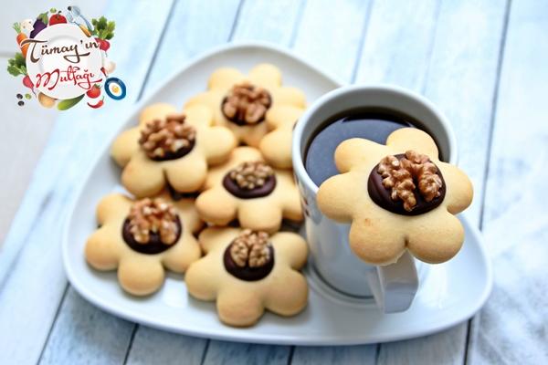 cevizli çiçek kurabiye