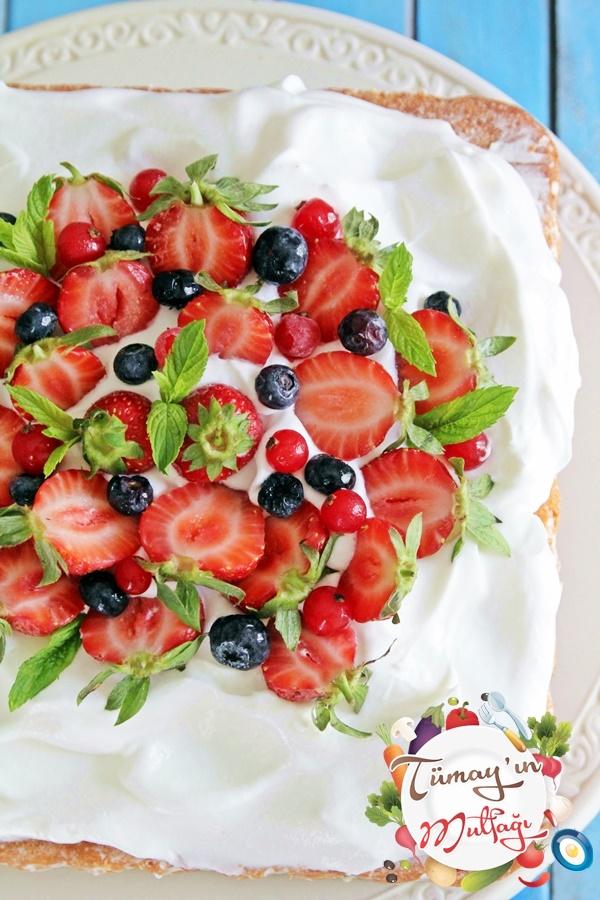 cilekli kremalı kek1 yeni