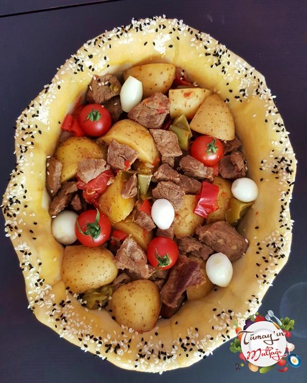 hamurda-patatesli-et-sote-firin-oncesi