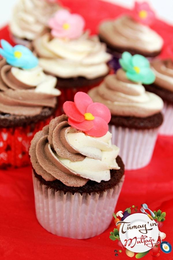 Çift Kremalı Kakaolu Cupcake ve Sevgililer Günü