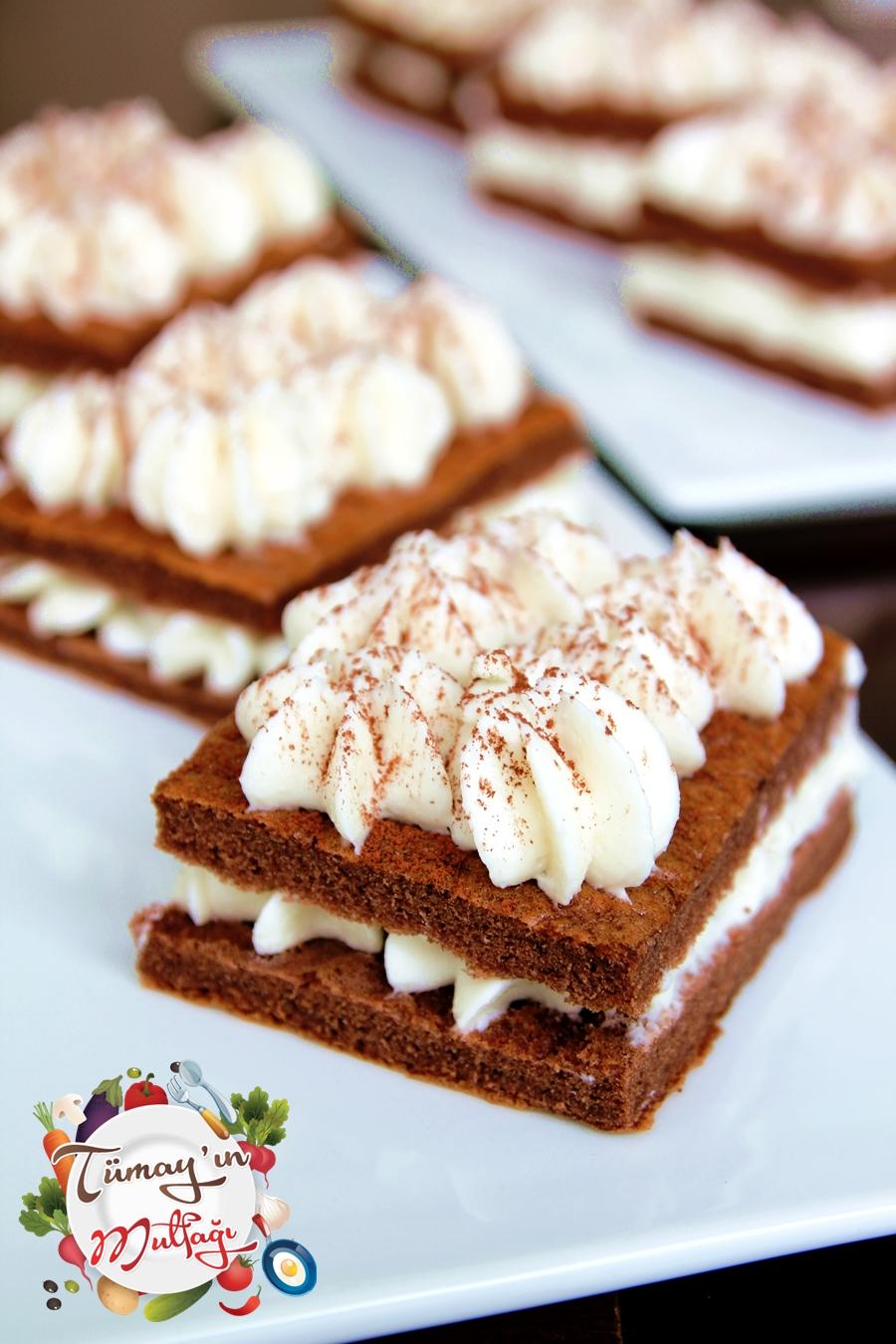 Labne kremalı kakaolu dilim pasta