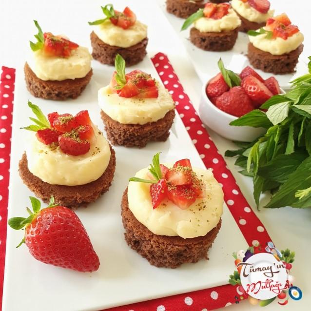 Kremalı Mini Kekler